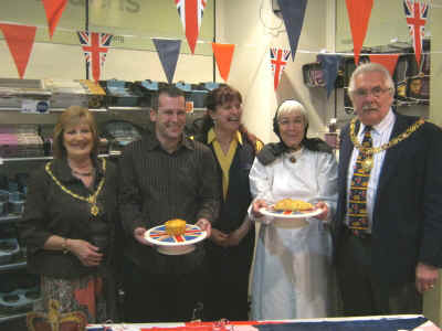 Winners and their pies with mayor and mayoress